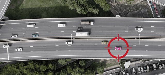 内蔵GPSによる正確な走行情報を提供